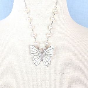 Jewelry - Silver Pearl Butterfly Necklace JT-M